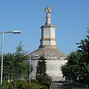 monumentul de la adamclisi vestigiul antic controversat