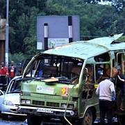 cel putin patru morti in urma exploziei unui autobuz