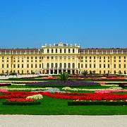 castelul schonbrunn din viena evaluat la o suma fabuloasa