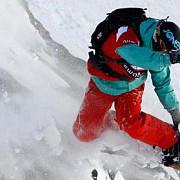 avalanse in alpi cinci turisti morti