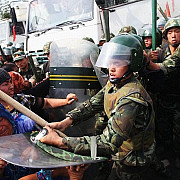 11 morti intr-un atac asupra unei sectii de politie in china