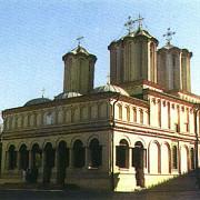 biserica isi vrea proprietatile inapoi
