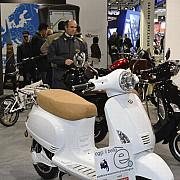 politia a confiscat scuterele la o expozitie internationala