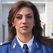 cea mai sexy femeie in uniforma din lume vine din romania