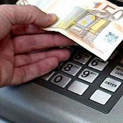 22 de romani retinuti de politia italiana pentru furturi din bancomate