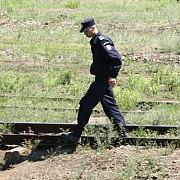 femei prinse la furat de componente de cale ferata