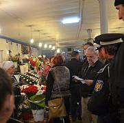 florarii din piata centrala evacuati cu politia