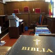 tribunalele din marea britanie vor sa renunte la juramantul pe biblie