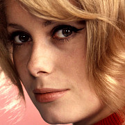 catherine deneuve implineste 70 de ani