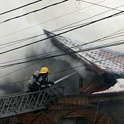 doi copii au ars de vii intr-un incendiu