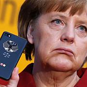 angela merkel foloseste un telefon de 2600 de euro gravat cu stema germaniei