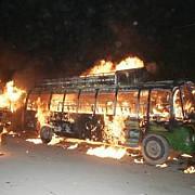 doua autobuze au intrat in coliziune si au luat foc