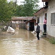 alte 400 persoane evacuate din calea apelor la galati