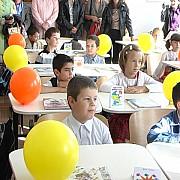 peste trei milioane de elevi si prescolari au inceput noul an scolar