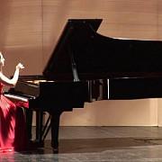pianista romana remarcata in marea britanie