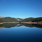 lacul bolboci peisaj de vis in bucegi