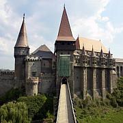 programul de vizitare a castelului corvinilor a fost extins la cererea turistilor