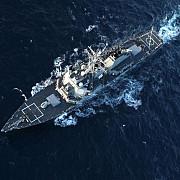 distrugatorul american din marea neagra sicanat de un avion rusesc