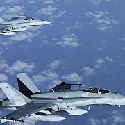 canada va trimite in europa de est avioane de vanatoare f-18