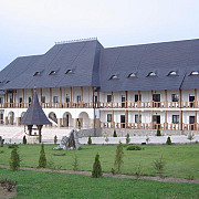 manastirea hadambu un ierusalim romanesc