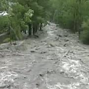 cod rosu de inundatii pe doua rauri din romania