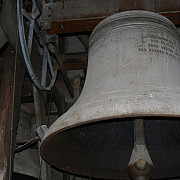 ce mai furam clopotul bisericii