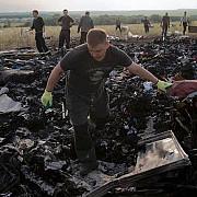 expertii olandezi au reusit sa ajunga in zona prabusirii avionului malaysian mh17
