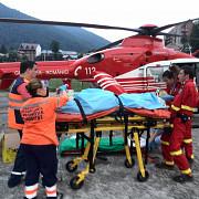 barbat lovit de tren la sinaia preluat de elicopterul smurd