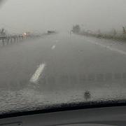 trafic dificil pe mai multe drumuri nationale din prahova si din tara din cauza furtunilor