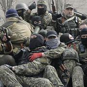 doi romani lupta de partea rusilor in estul ucrainei