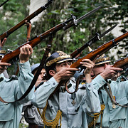 batalii istorice uniforme de epoca si focuri de arme la sinaia