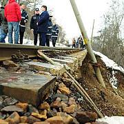 ploile au produs alunecari de teren in mai multe zone din prahova