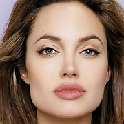 angelina jolie are varicela - video