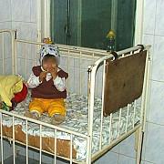 aproape 1000 de copii au fost abandonati in spitale in 2014