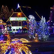 un fost inginer din croatia si-a decorat casa cu 1500000 de luminite