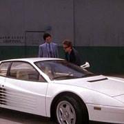 un automobil din serialul miami vice scos la licitatie cu 175 milioane de dolari