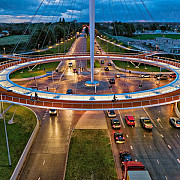 primul pod circular suspendat destinat bicicletelor
