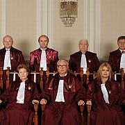 ccr trebuie sa dea aviz modificarii constitutiei pana pe 17 februarie