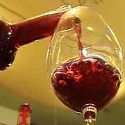 vinul ieftin otrava din paharele romanilor