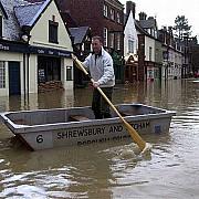 inundatii in marea britanie autoritatile s-au mobilizat tardiv