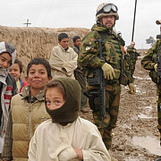 doi militari ai isaf au fost ucisi in afganistan