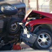 o suta de masini implicate intr-un accident pe o autostrada din sua