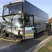 autocar cu imigranti romani implicat intr-un accident