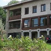 fosta resedinta a lui ceausescu se vinde prin mica publicitate