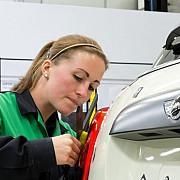 bmw va produce automobile mini la fosta uzina mitsubishi din olanda