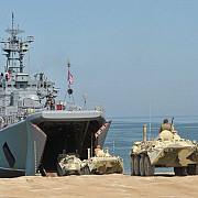 nave rusesti incarcate cu trupe au ajuns pe coasta ucraineana a crimeii