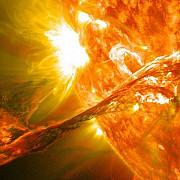 campul magnetic al soarelui si-a inversat polaritatea