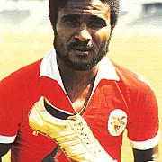 fotbalul mondial in doliu a murit eusebio