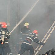incendiu puternic intr-un bloc din sangeorz-bai