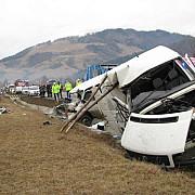 sase victime in urma coliziunii a doua microbuze cu pasageri